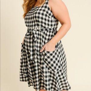 NWT Gilli Black and White Checkered Dress
